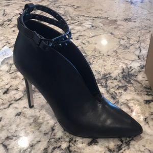 Jessica Simpson Black High Heels Purkly 7.5